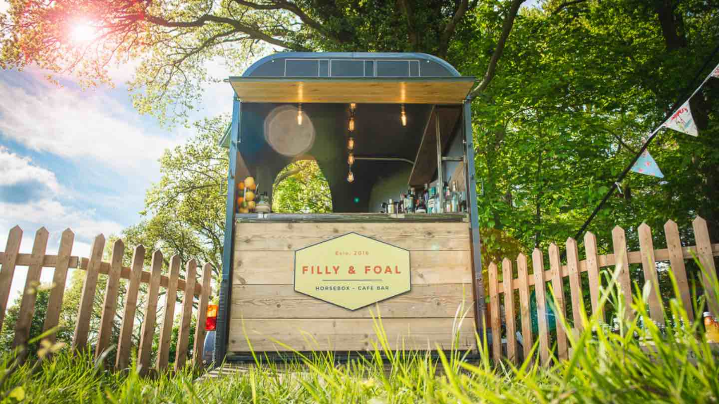 Filly & Foal Horse Box Bar Pimms & Racket horse-box-bar-hire