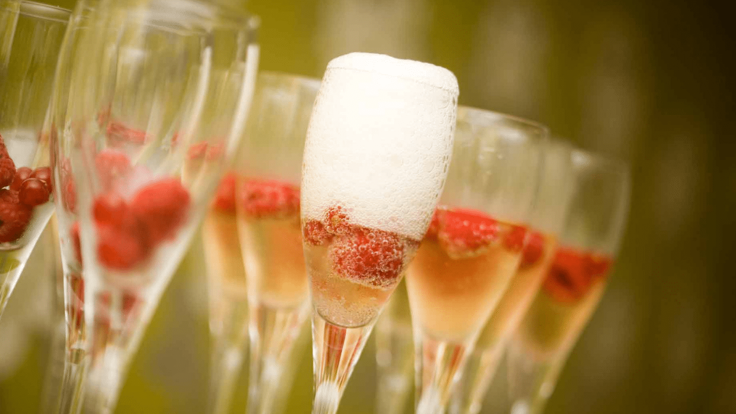 Horsebox Bar Hire Champagne Package